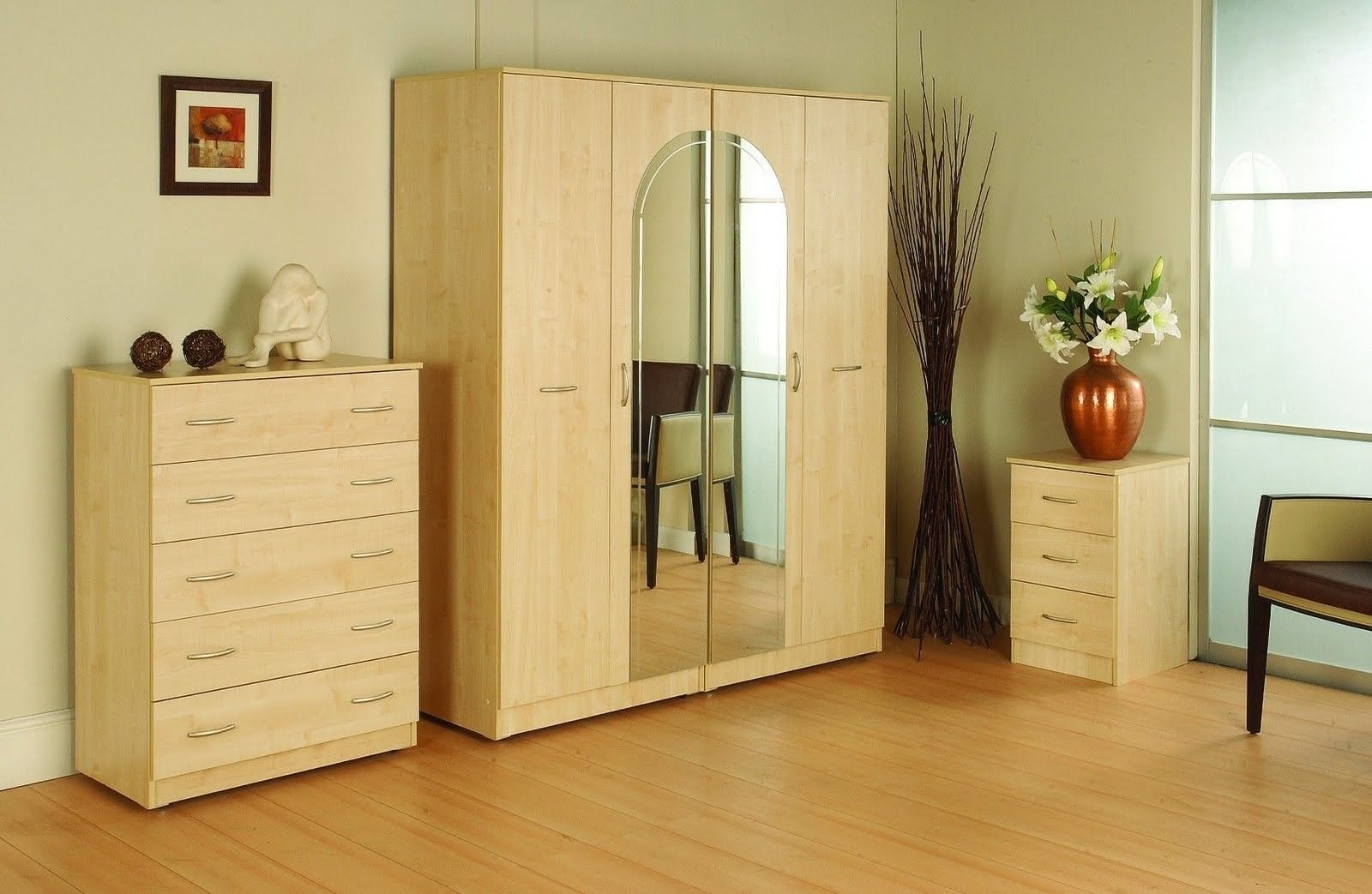 Mirror cabinet bedroom