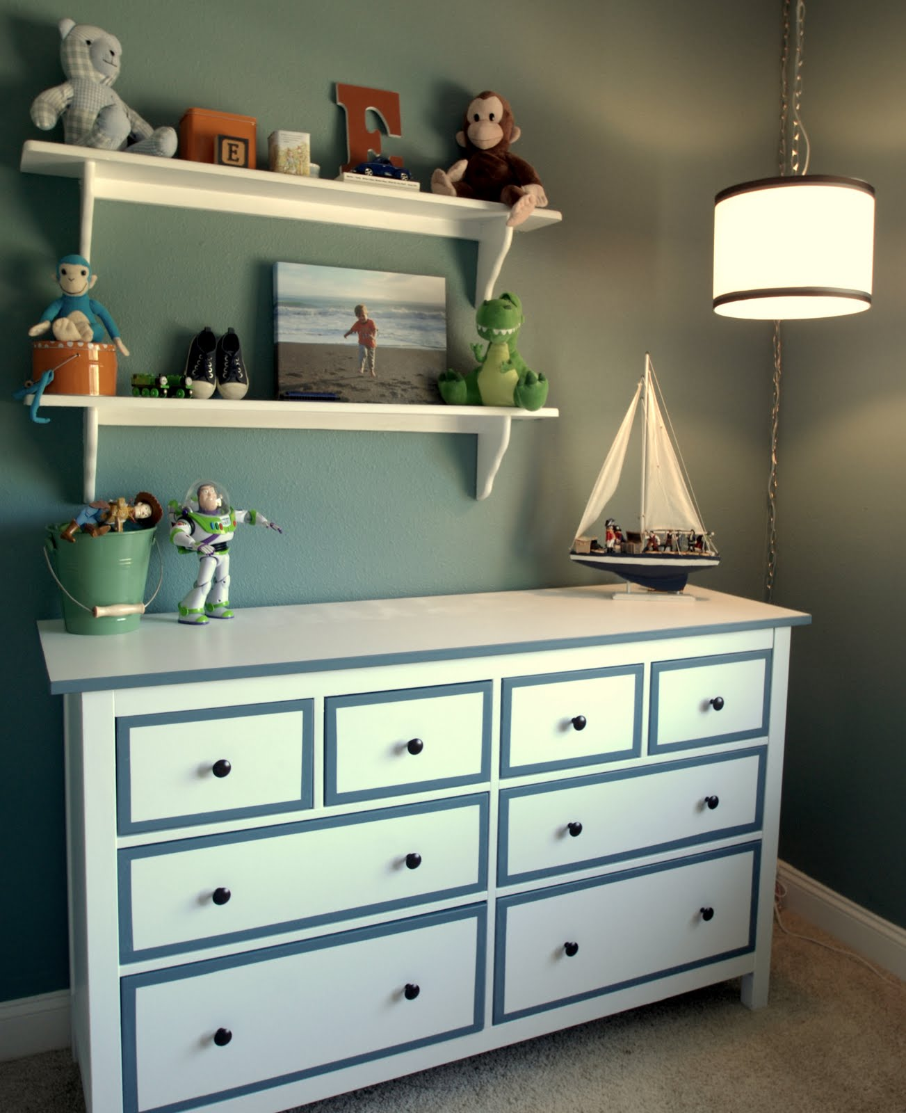 boys-room-dresser-from-side-773027