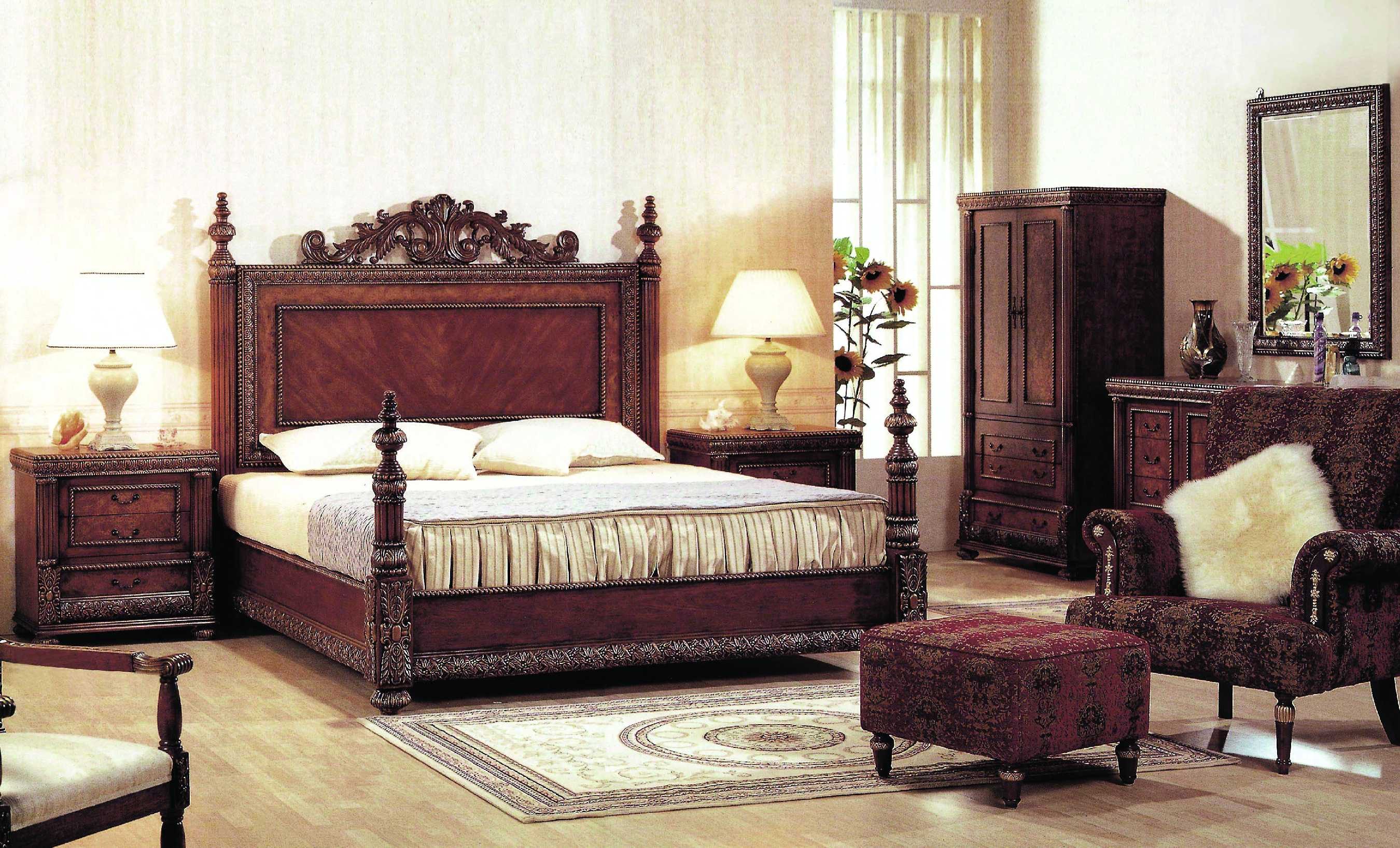 charming-home-decorating-bedroom-with-teak-carving-wooden-headboard-and-classic-modern-style-interior-furniture-with-luxury-modern-furniture-and-home-modern-furniture