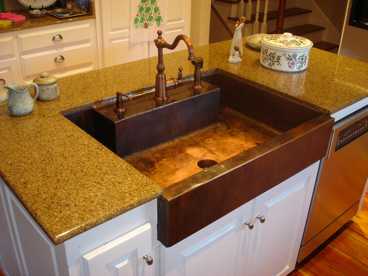 copper-kitchen-sink-is-one-of-the-best-idea-to-remodel-your-kitchen-with-amazing-design-10