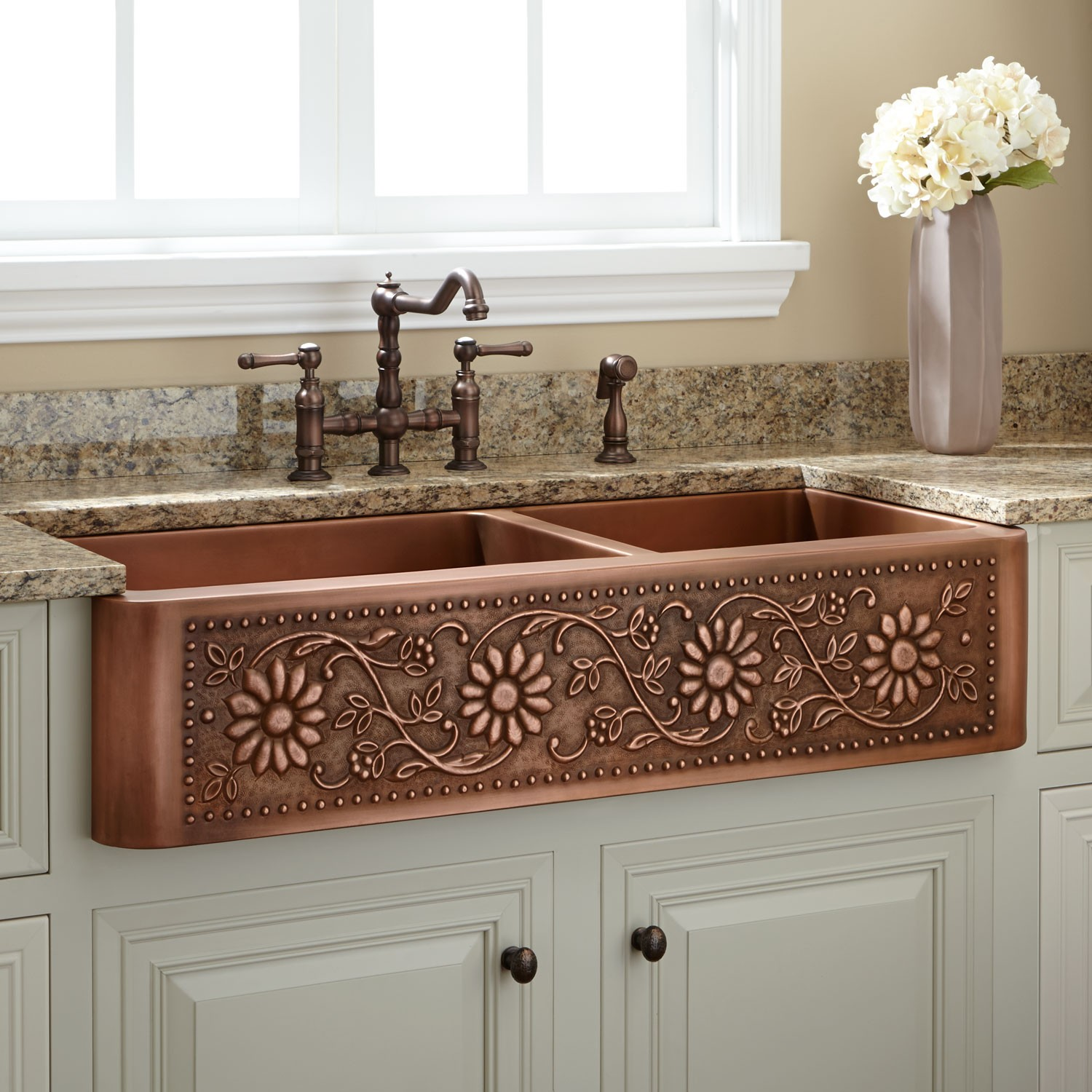 copper-kitchen-sink-is-one-of-the-best-idea-to-remodel-your-kitchen-with-delightful-design-2