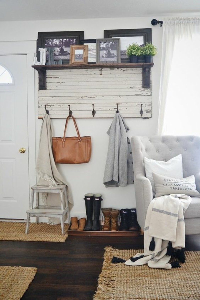 diy-coat-stand-themselves-build-rustic-apartment-of-furniture-for-vestibules