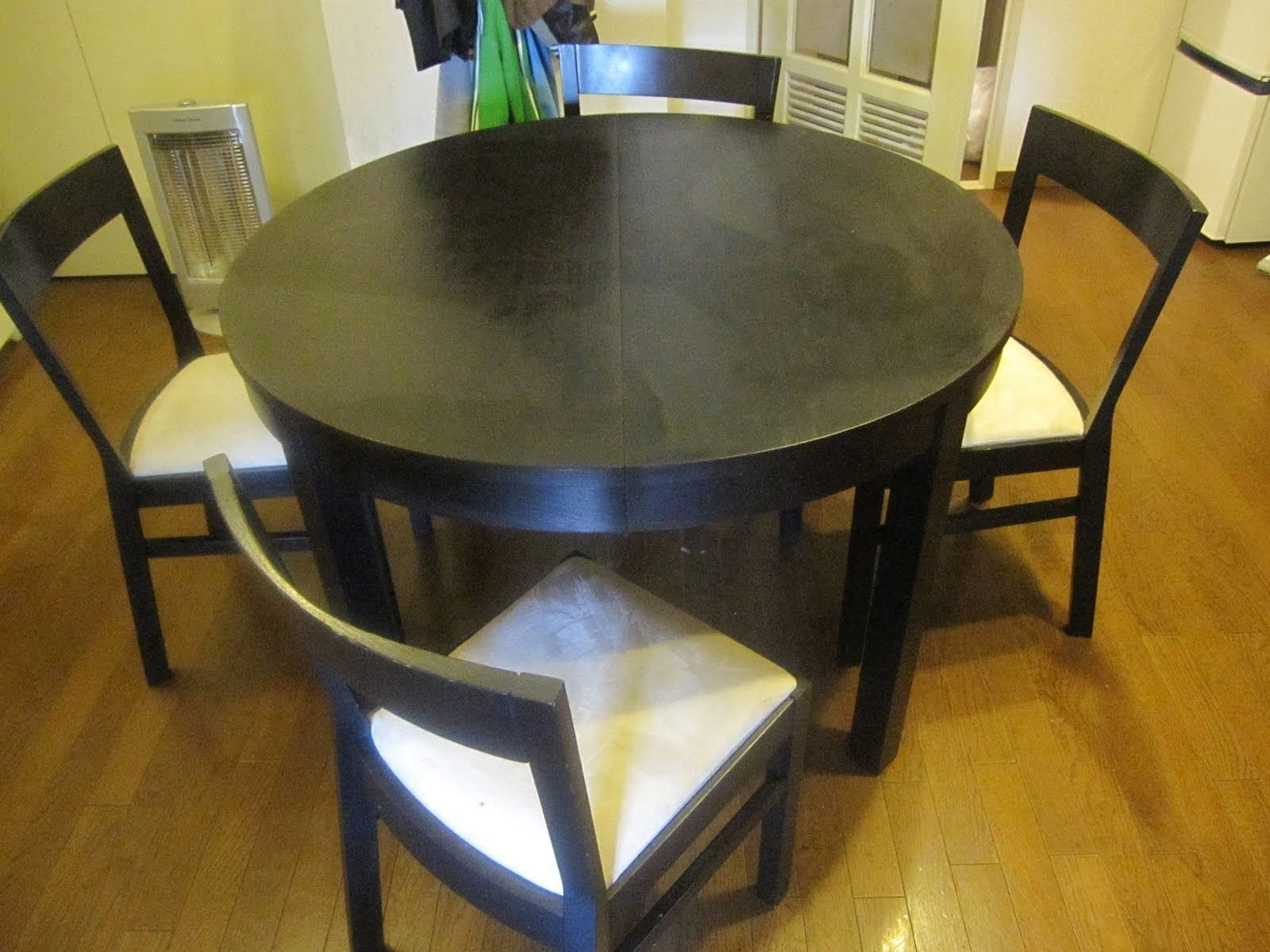 glass-round-table-ikea-is-also-a-kind-of-small-dining-tables-ikea