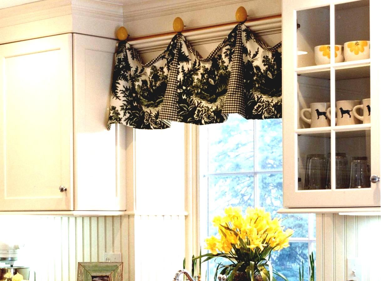 gorgeous-adding-color-and-pattern-with-window-valances-hgtv