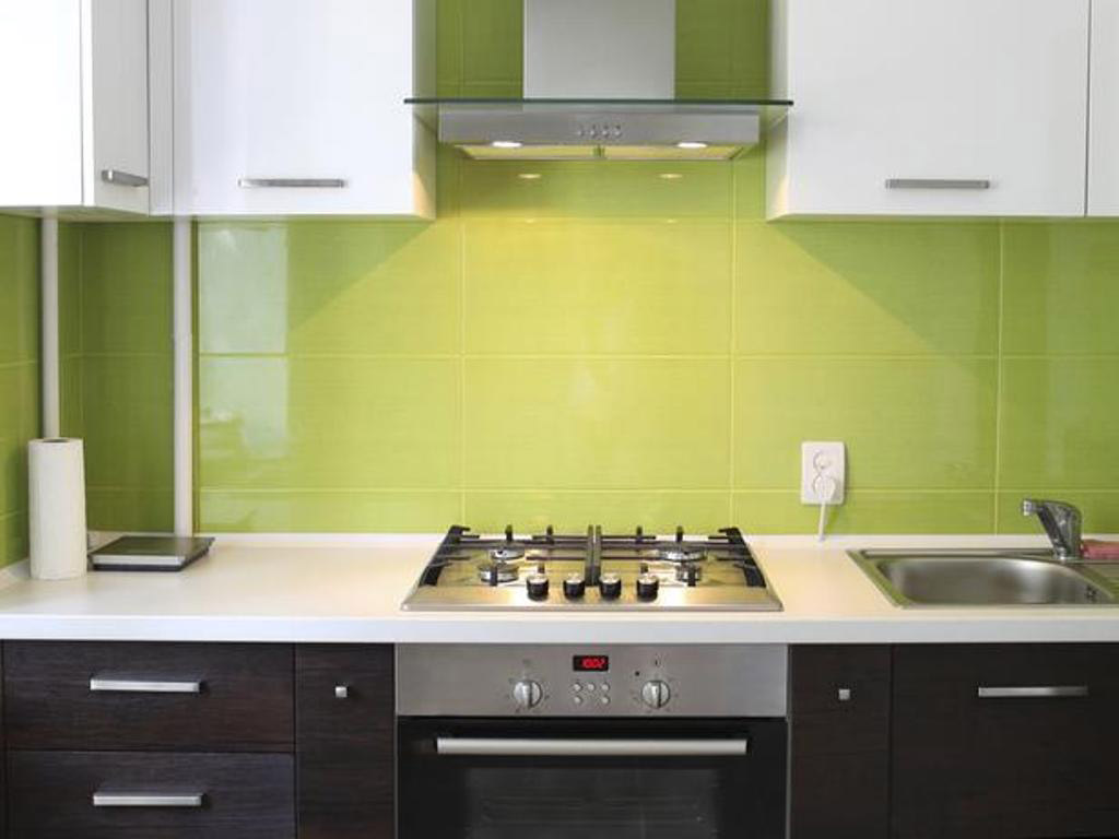 green-backsplash-tile-white-countertop-small-kitchen-design-ideas-table-island-remodel-sets-makeovers-storage-chairs-round-layouts-sinks-remodeling-solutions-renovations-small-kitchenette-ideas