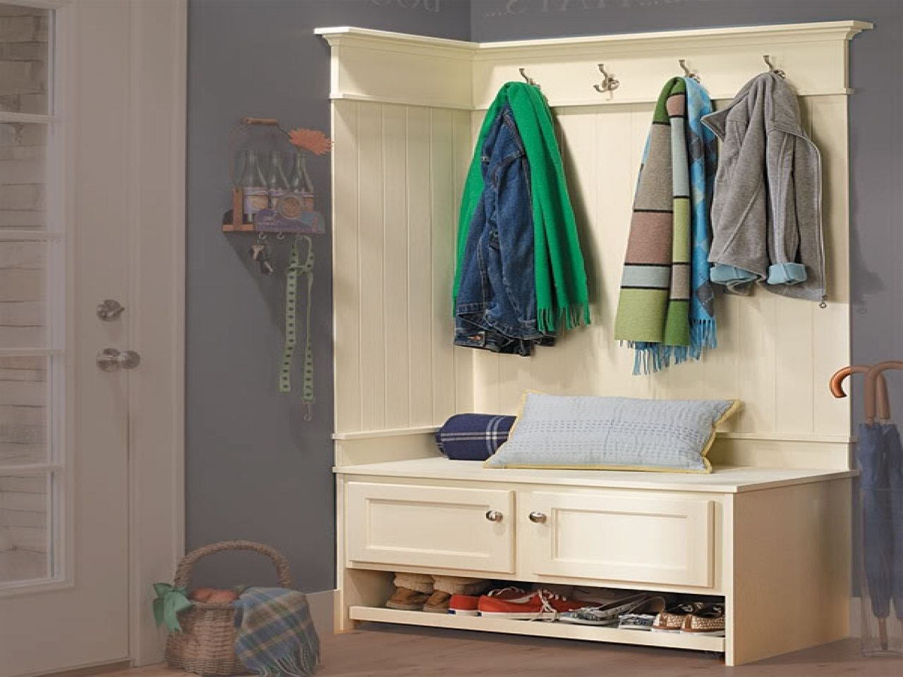 hallway-coat-cupboard-walk-in-closet-organization-ideas-entryway