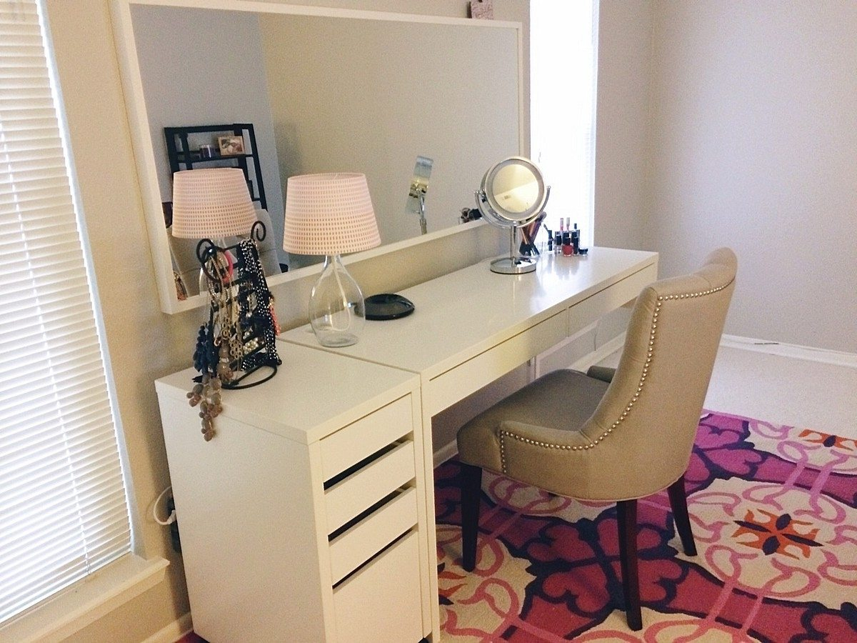 ikea-micke-desks-as-vanity-minimalist-desk-design-ideas