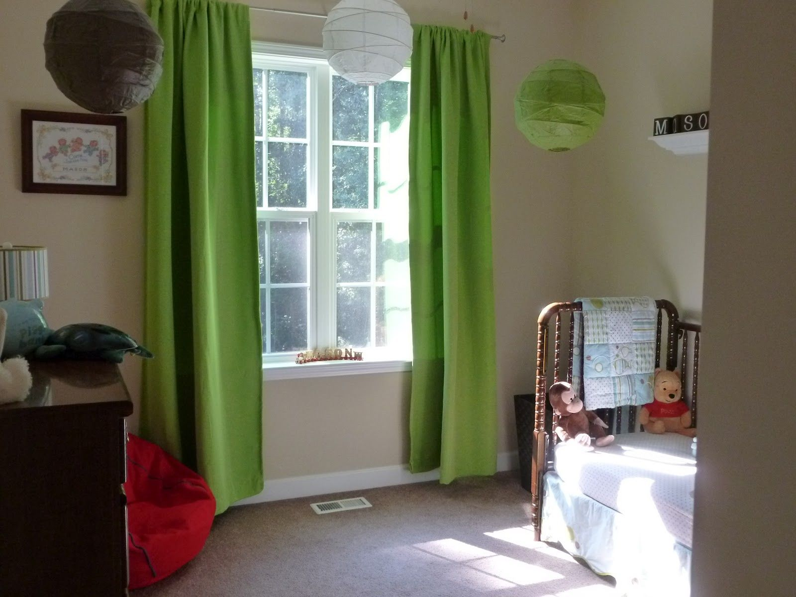 interior-green-fabric-window-curtains-on-the-hook-and-colorful-lantern-on-the-ceiling-connected-by-cream-wall-pleasing-look-of-master-bedroom-window-treatments-prettify-your-bedroom