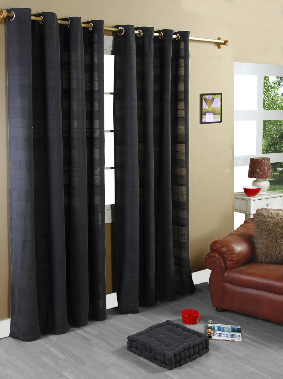 interior-modern-living-room-ideas-with-black-curtains-and