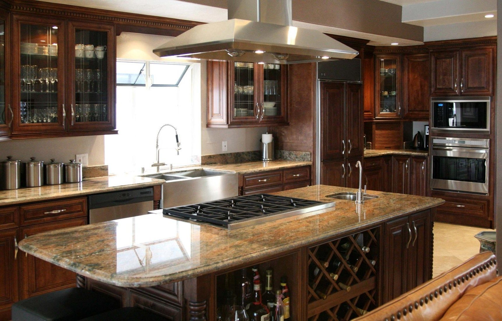 kitchen-classic-kitchen-ideas-with-wooden-kitchen-cabinetry