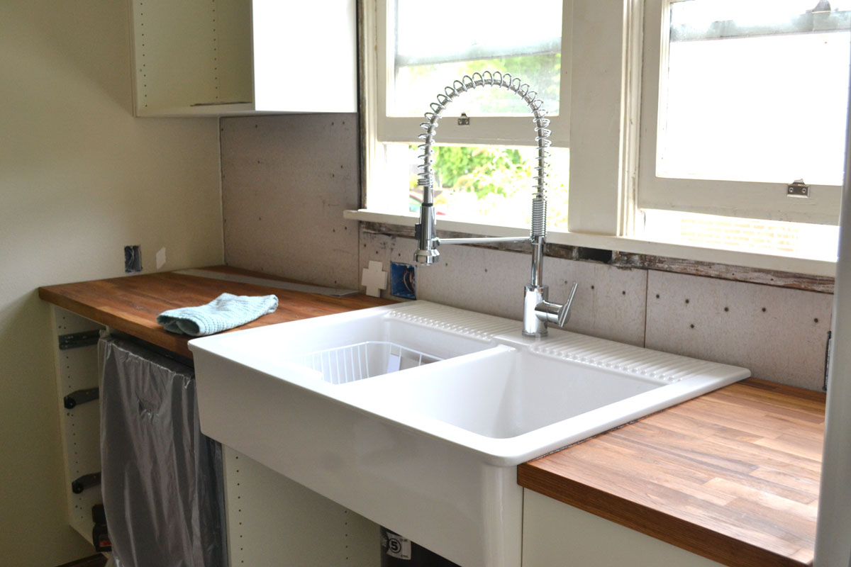 kitchen-sink-ideas-to-inspire-you-on-how-to-decorate-your-kitchen-8