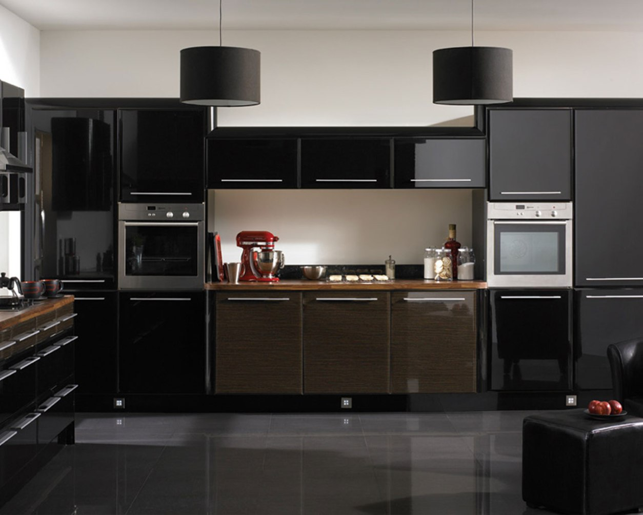 kitchens-with-black-cabinets