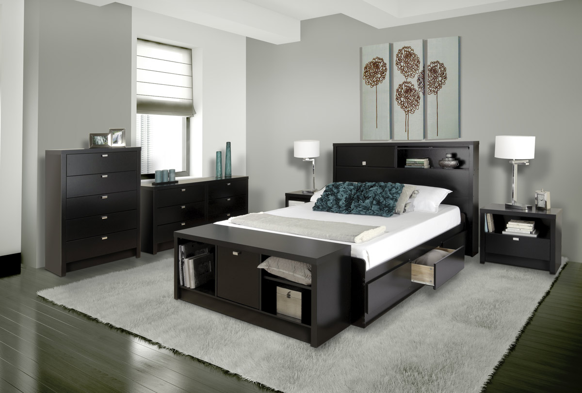 modern-black-bedroom-furniture-set-design-with-beautiful-table-lamps-also-white-shag-area-rug-idea
