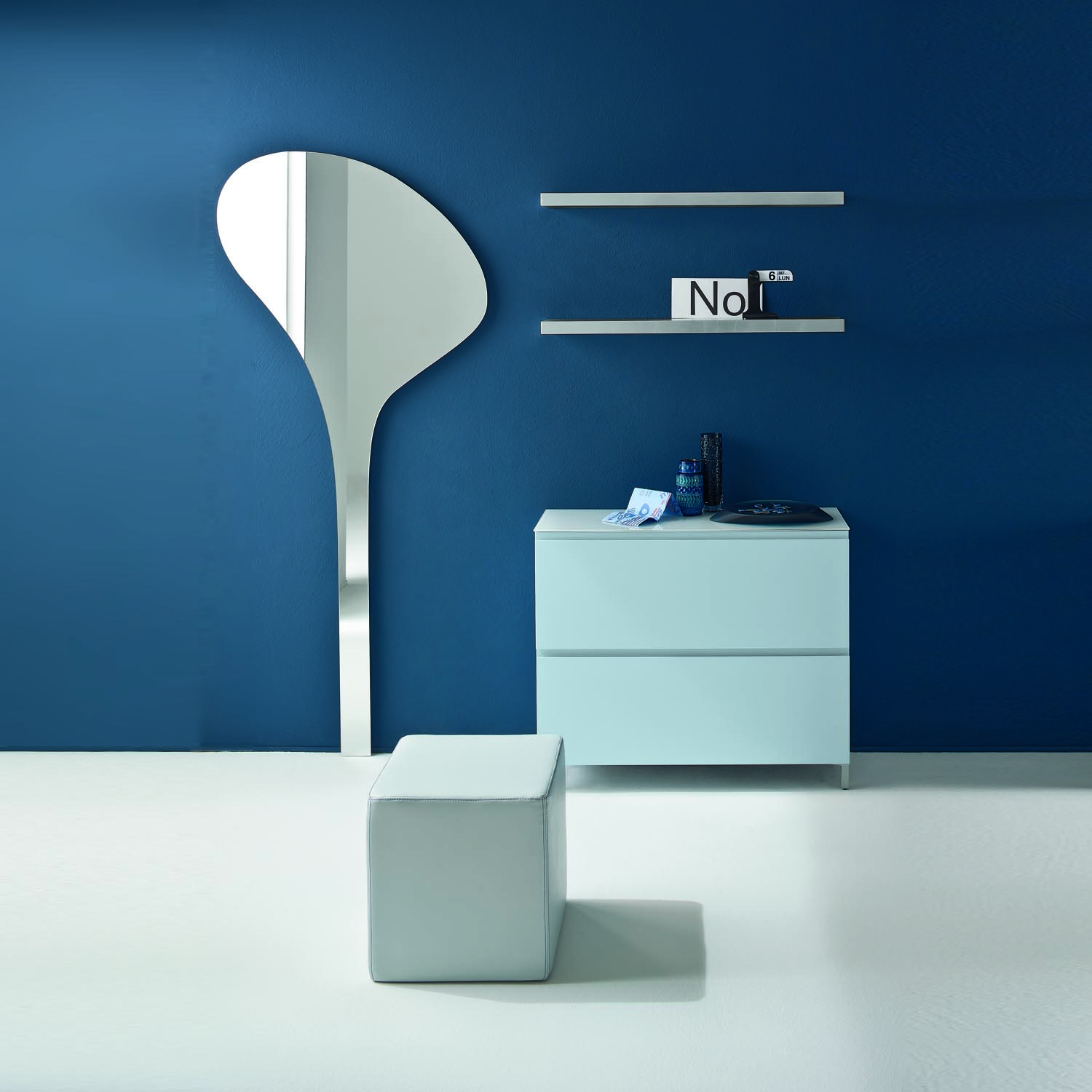 modern-contemporary-corridor-furniture-with-shoes-storage-clothes-hanger-and-mirror-in-blue-buy-at-my-italian-living