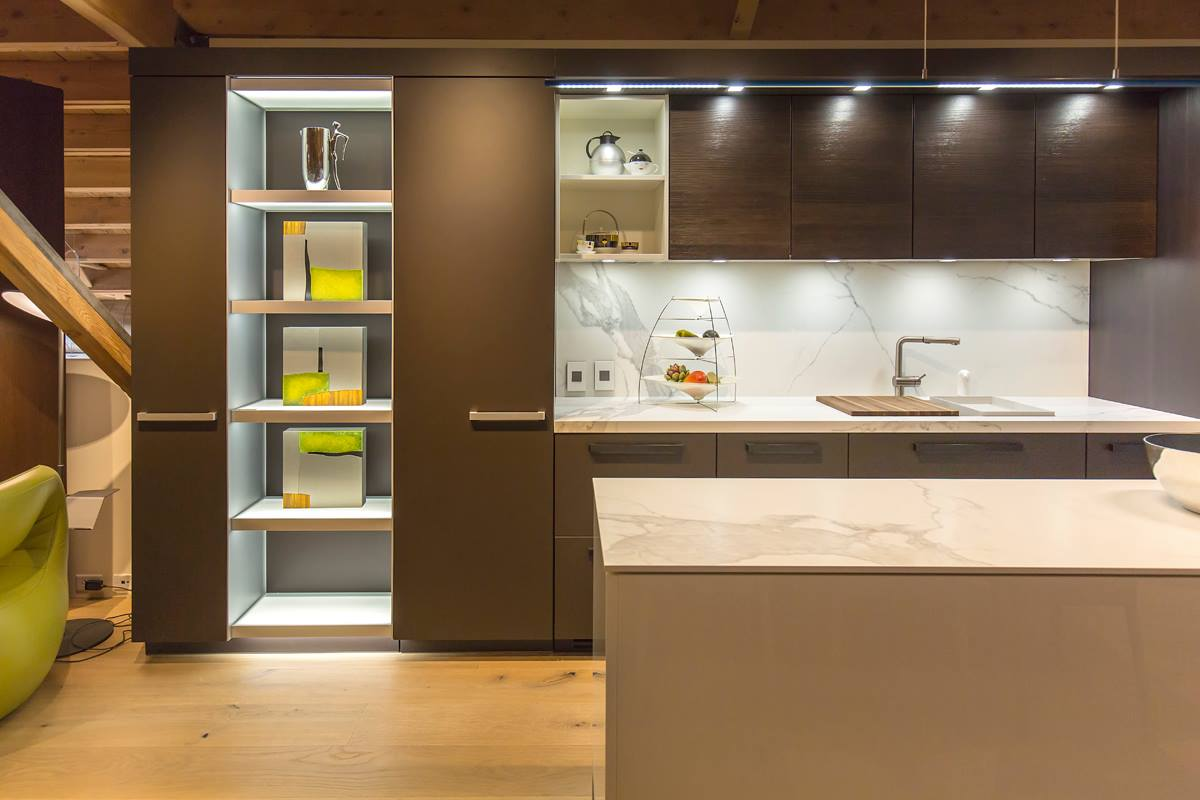 neolith-fm-distributing-modern-kitchen-island-estatuario-classtone