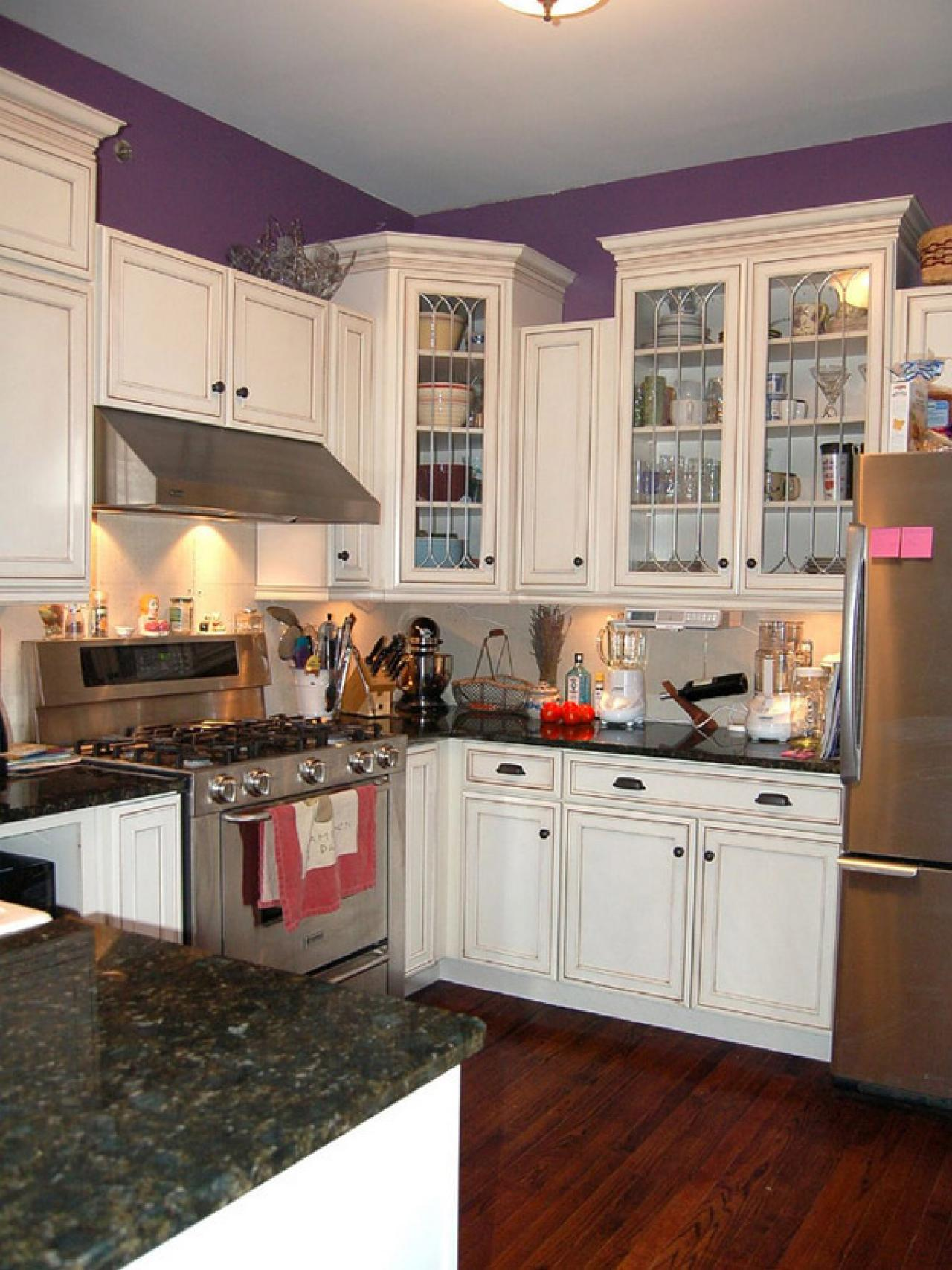 original_kitchen-white-cabinets-purple-walls_s3x4-jpg-rend-hgtvcom-1280-1707