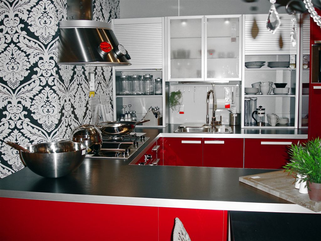 red-and-black-kitchen-decor-7