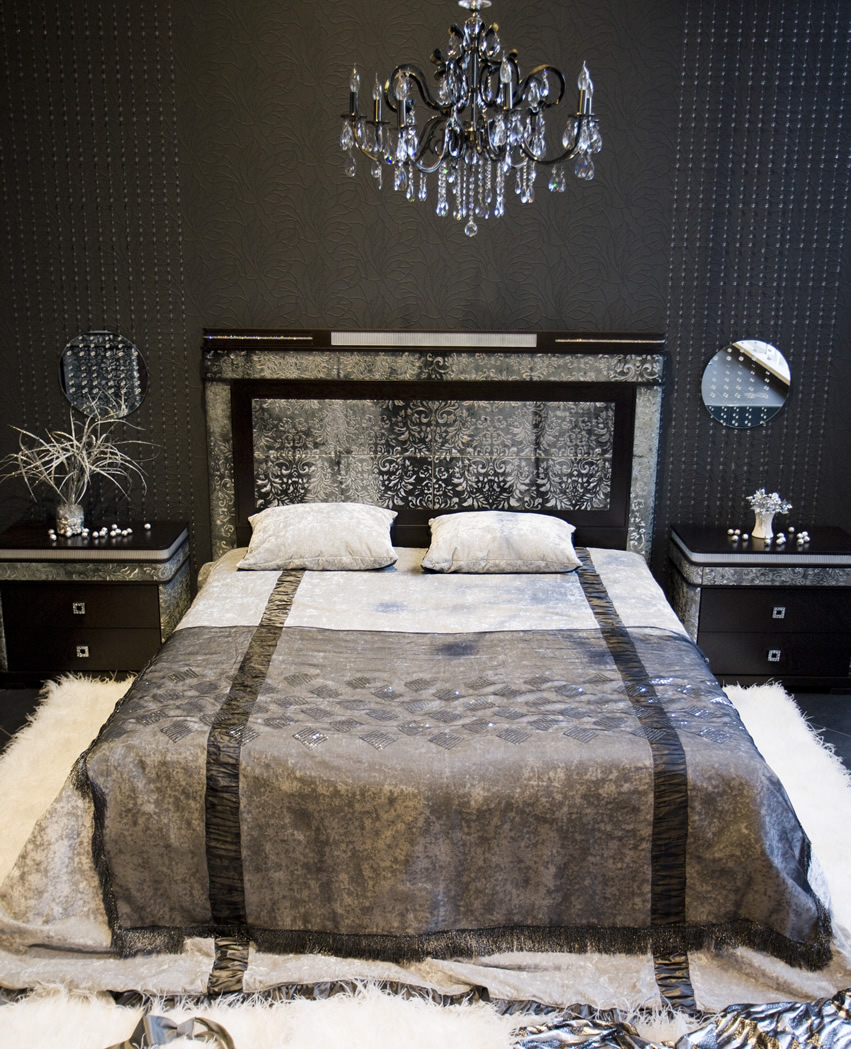 seductive-black-bedroom-with-sexy-furnishings