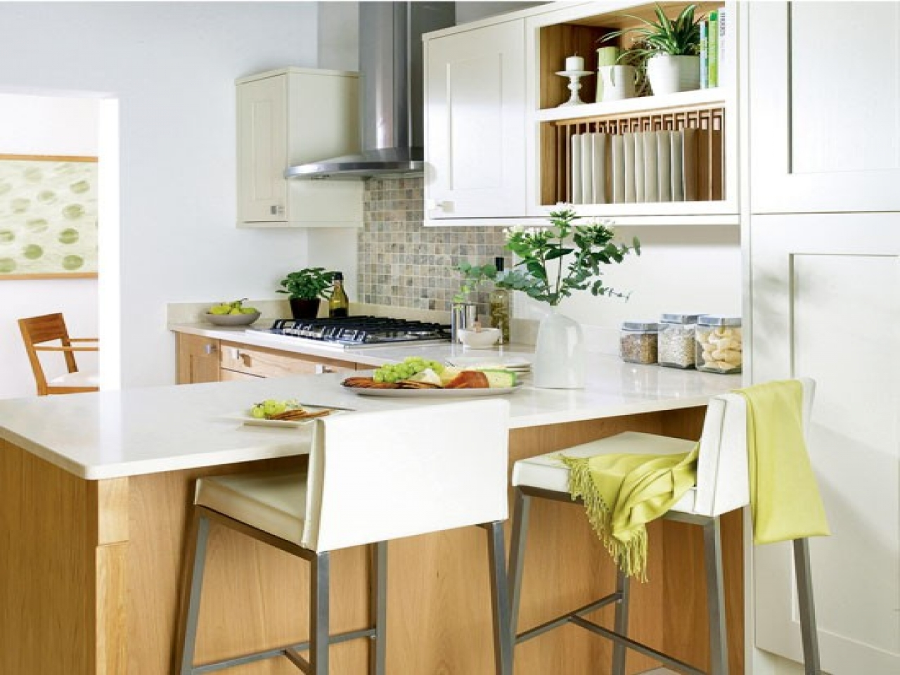 small-kitchen-with-breakfast-bar-kitchen-breakfast-bar-stools-b86dc7b30a262bf0