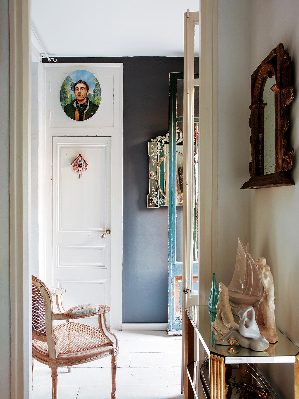 small-mirror-hallway-inspiration-black-paint-walls-french-provincial-style-doors-moulding-renovation-decorating-with-mirrors-console-table-entrance-ideas