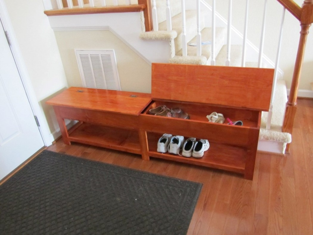 sophisticated-small-shoes-rack-with-ample-look-and-lift-up-bench-in-short-hallway-layout-1050x788