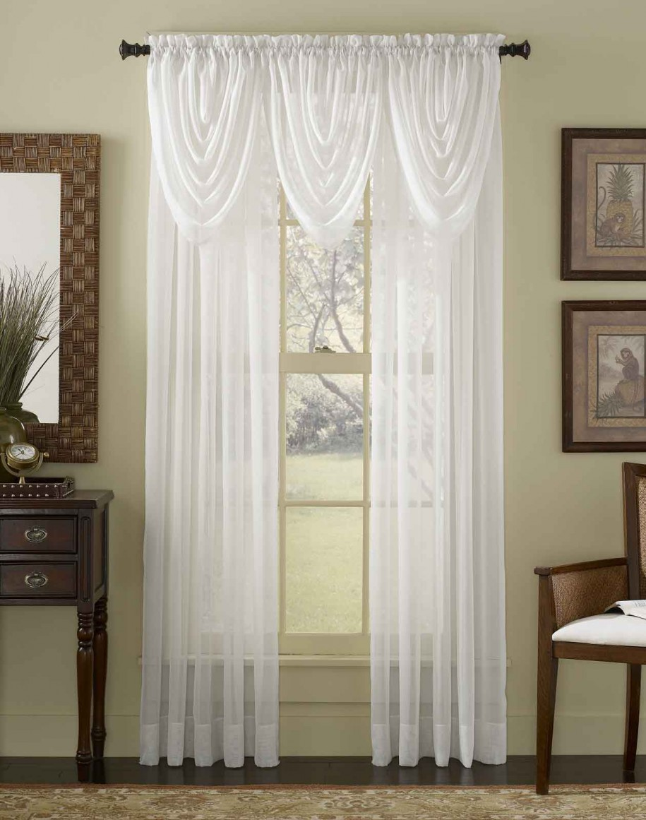 white-curtain-suitable-for-elegant-living-room