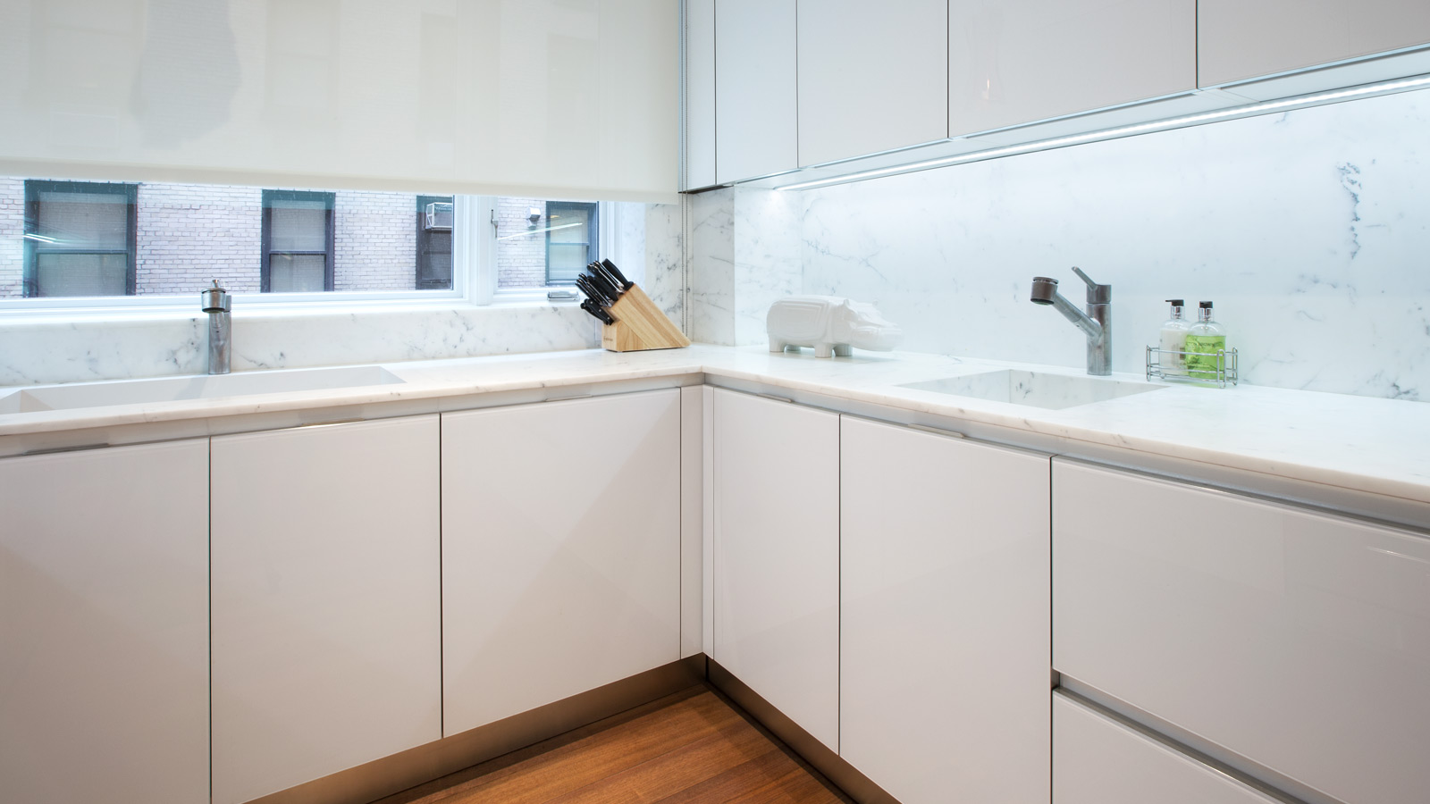 white-glass-kitchen-5