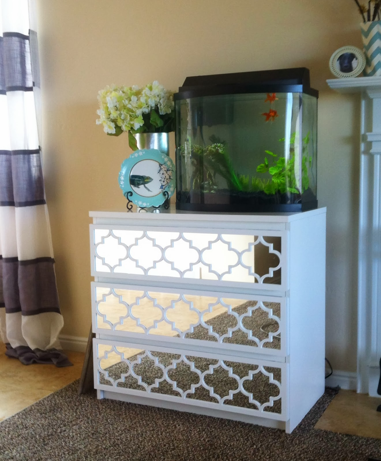 white-mirrored-nightstand-cheap-with-3-drawers-for-bedroom-furniture-ideas-tv-dresser-stand-cool-nightstands-tv-stand-dresser-dresser-bed-frame-mirrored-nightstand-cheap-bedside-tables-cheap-silver-ni