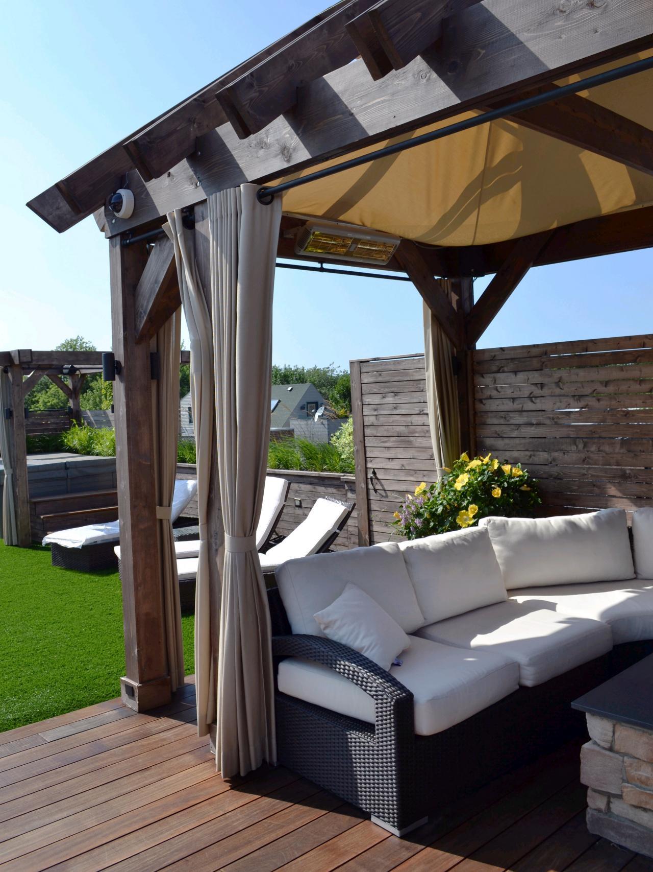 dp-adam-miller_contemporary-outdoor-draperies_s3x4-jpg-rend-hgtvcom-1280-1707