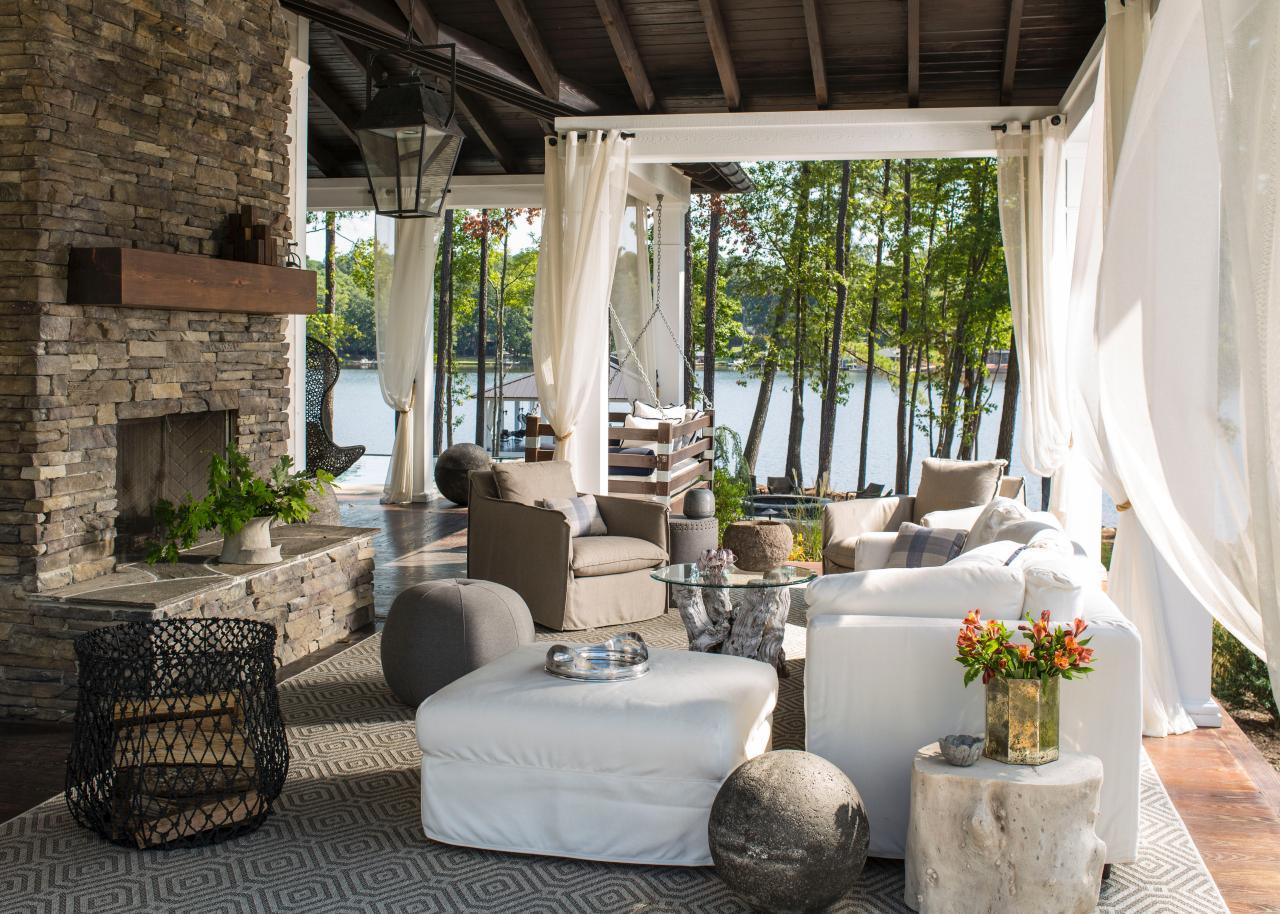 heather-garrett_outdoor-lake-party-dock_9-jpg-rend-hgtvcom-1280-914